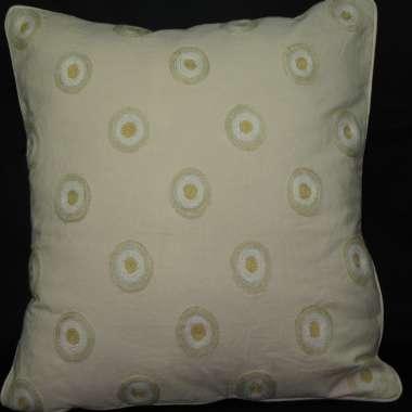 Crewel Pillow Circle  Design on cream cotton fabric